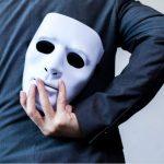 Narcisista Covert, il basso profilo che non ti aspetti, ecco i 7 segni per riconoscerlo